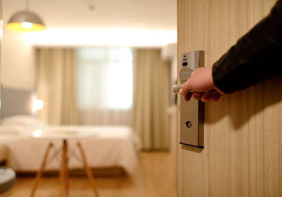 Gobernanta de hotel, buen sueldo y ventajas adicionales