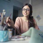 ¿Cómo escribir un currículum creativo que destaque entre los demás?